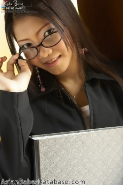 asian-girl-glasses-02