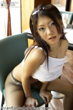 asian-girl-glasses-08