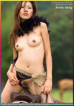 nude-asian-girl-riding-horseback-08