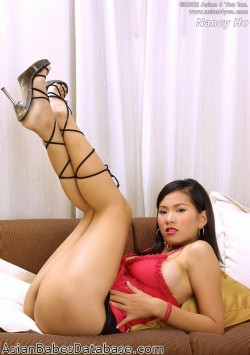 thick-asian-girl-08