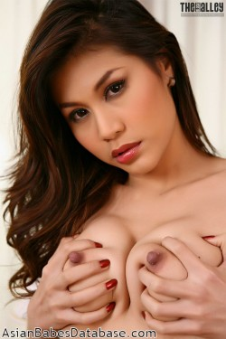asian-girl-big-nipples-09