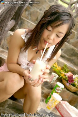 asian-girl-eating-nude-05