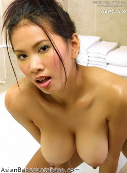 busty-asian-girl-bathtub-01
