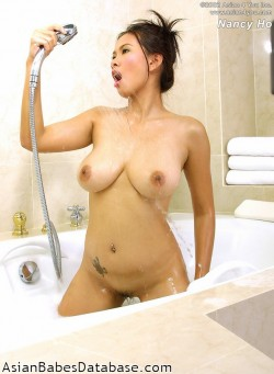 busty-asian-girl-bathtub-15