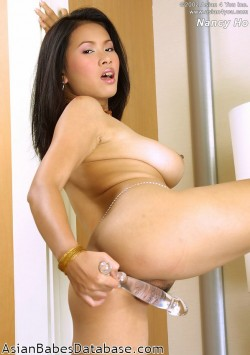 nancy-ho-nude-13