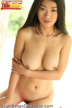 thai-girl-nice-breasts-14