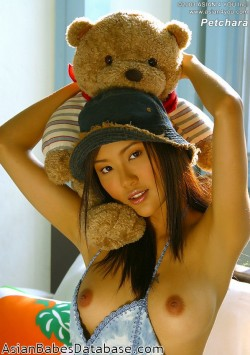 asian-girl-teddy-bear-01