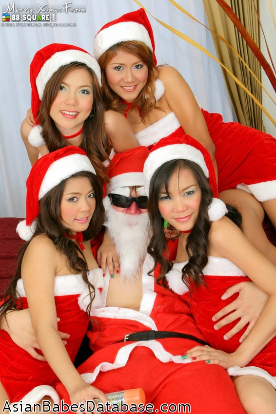 Nude Girls With Santa
