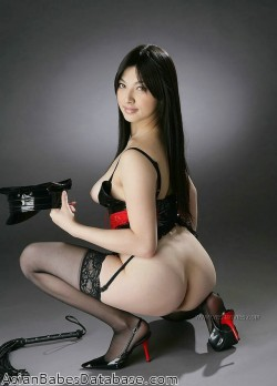 asian-dominatrix-model-03