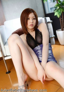 asian-office-worker-nude-11