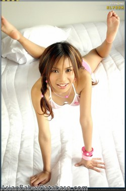 hot-asian-striptease-07