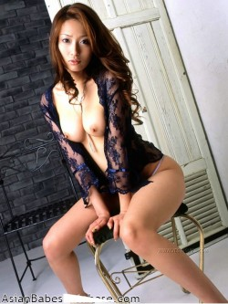 japanese-idol-nude-pictures-02