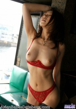 jun-kusanagi-sexy-01