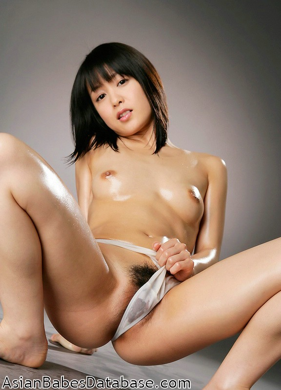 nude japanese girl body oil