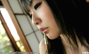cute-japanese-girl-nude-11