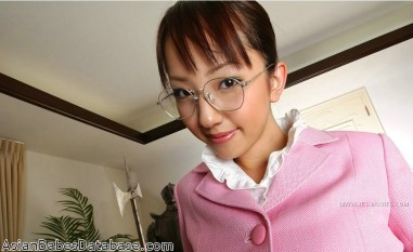 hot-asian-nerd-girl-04