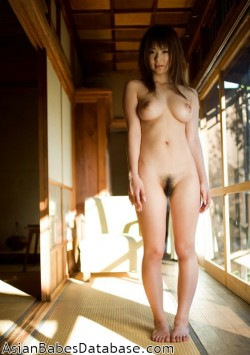 naked-japanese-model-pics-03