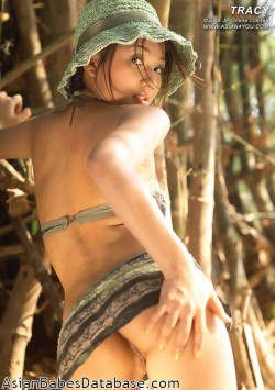 asian-girl-jungle-nude-08