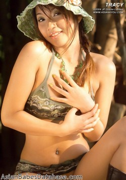 asian-girl-jungle-nude-10