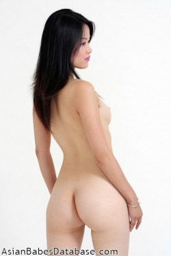 light-skin-asian-nude-01