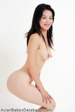 light-skin-asian-nude-06