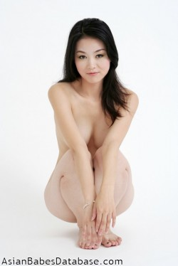 light-skin-asian-nude-11