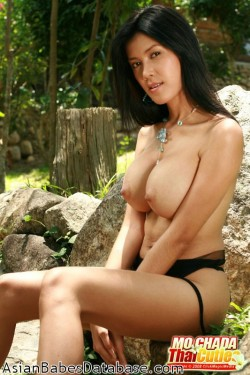 naked-girl-on-rock-01
