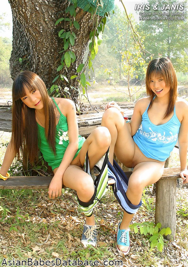 naked slim thai girls