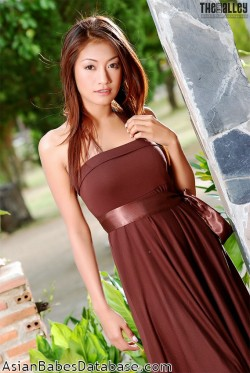 hot-thai-woman-naked-04