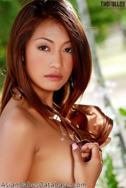 hot-thai-woman-naked-13