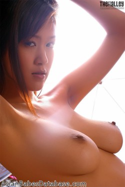 really-hot-asian-girl-03