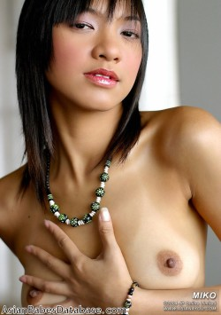 asian-girl-nude-on-couch-02