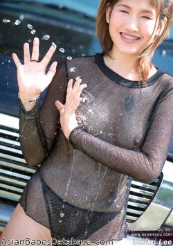 asian-girl-see-through-shirt-02