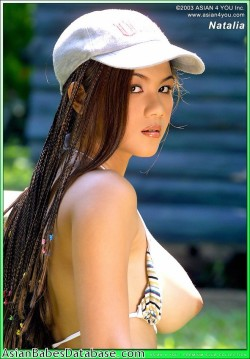 nude-asian-girl-dreadlocks-02