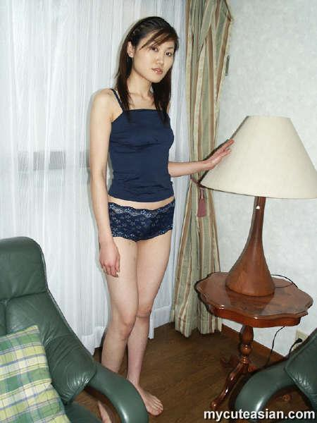 Asian amateur girl breasts