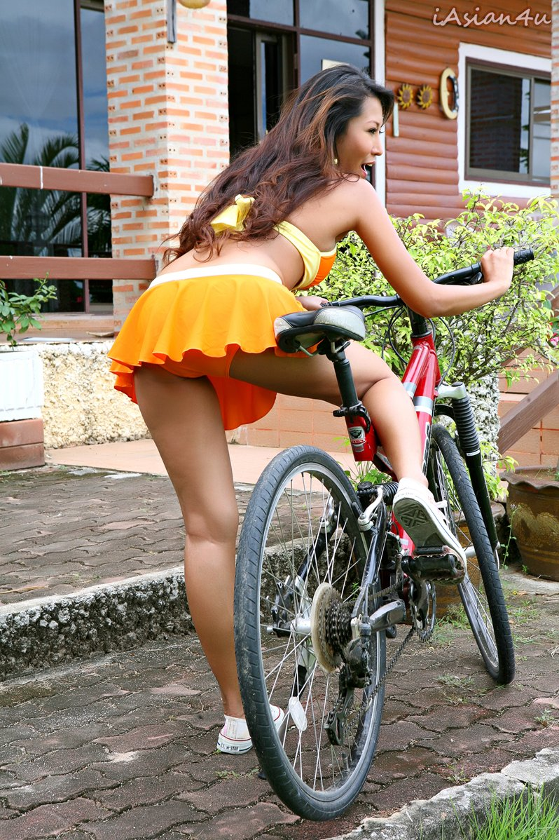 japanese nude girls on bicycles